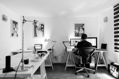 Designer elabora identidade visual